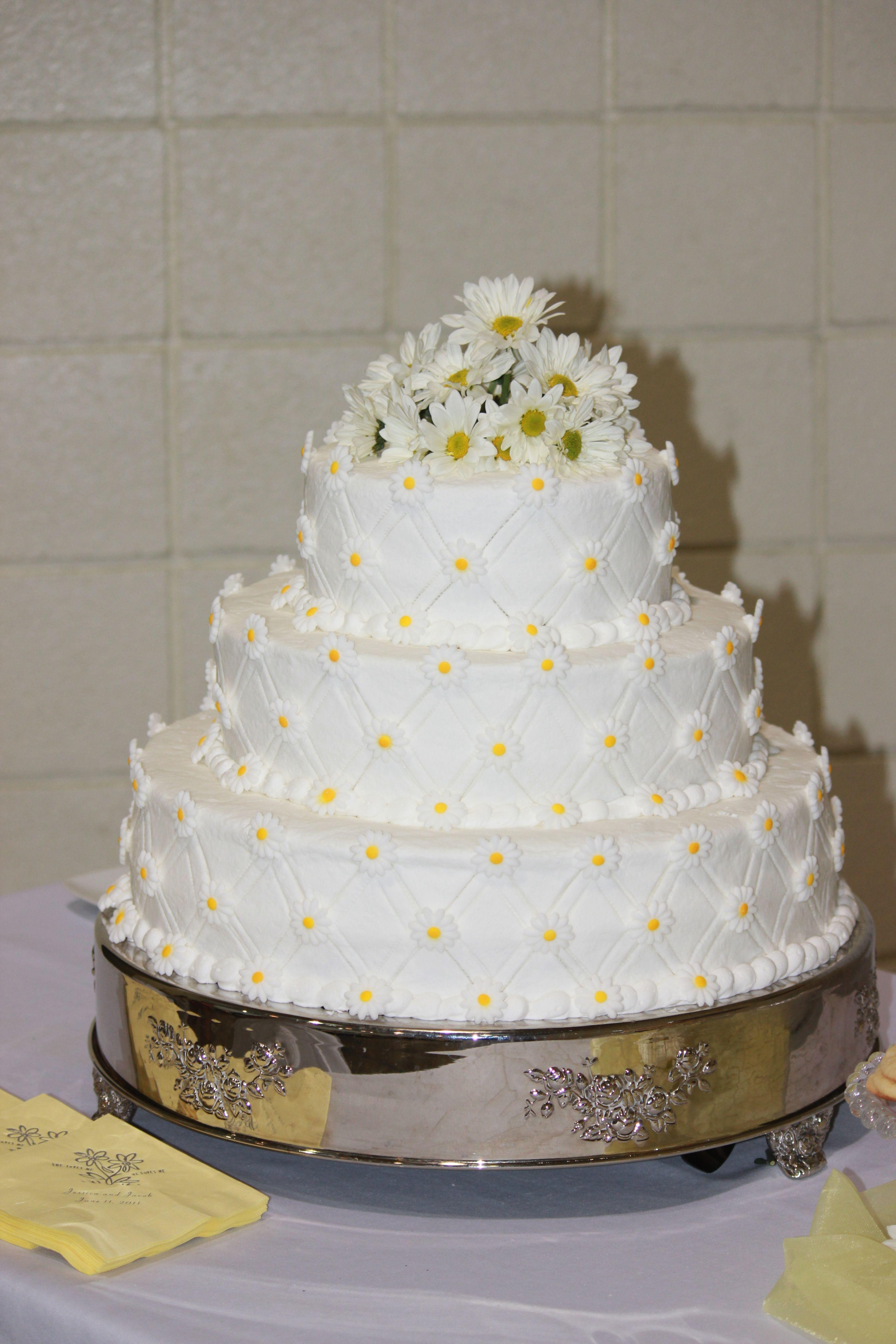 A daisy of a cake