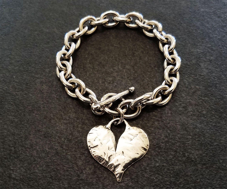 Hammered heart pendant bracelet