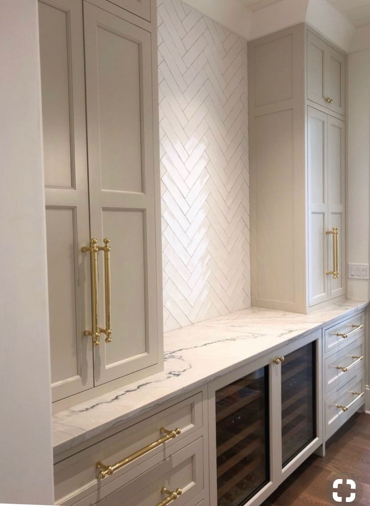 Best Farrow Ball Shaded White Painted Kitchen Cabinets 400 x 300