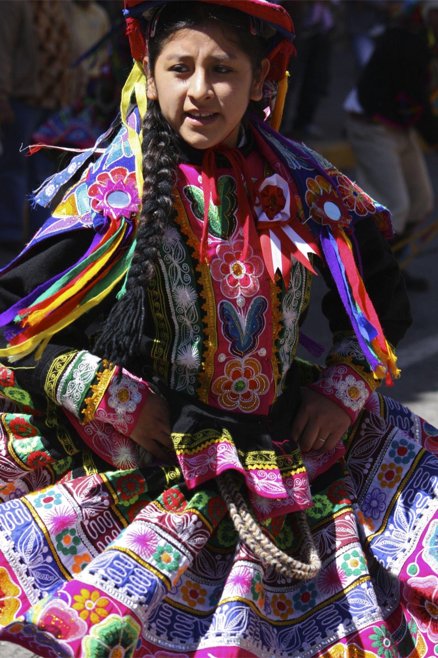 Traditional Peruvian Dress   Peruvian clothing, Traditional peruvian dress, Folk  dresses