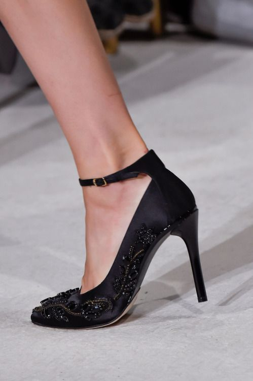 Welcome In The World Of Fashion Heels Fashion Week Spring Fashion