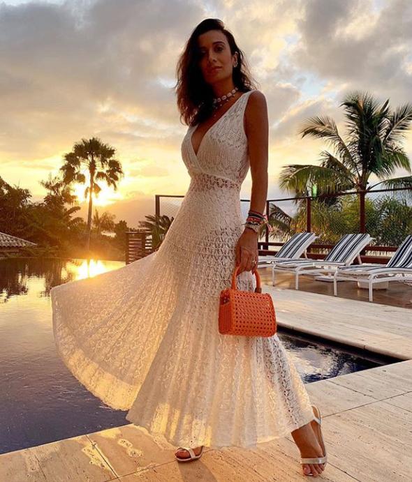 53ec33b83 Vestidos da moda 2019 ideais para o verao brasileiro Vestidos Brancos  Praia