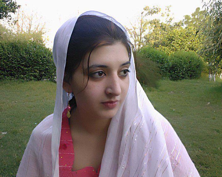 Download Desi Girl Wallpapers Photos Gallery