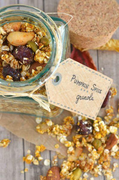 pumkin spice granola | granola au potiron http://www.la-gourmandise-selon-angie.com/archives/2013/10/17/28198874.html