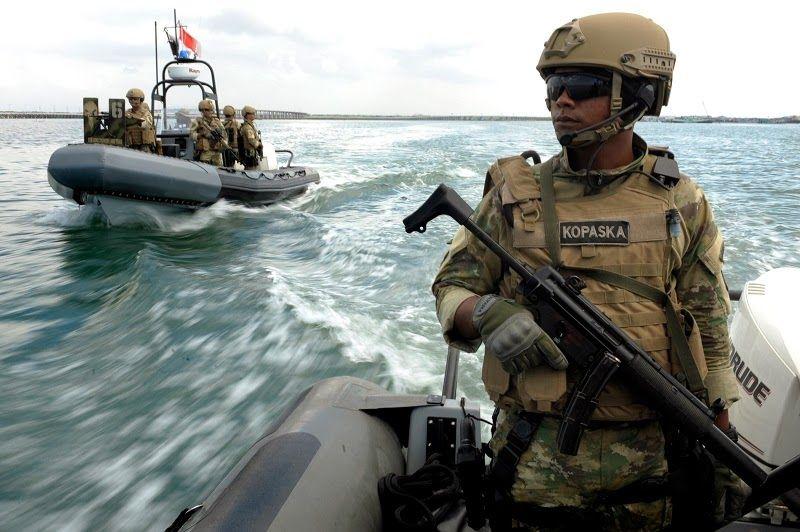 Pasukan katak ledakkan 14 kapal illegal fishing di minut berita militer military police - Wallpaper kopaska ...