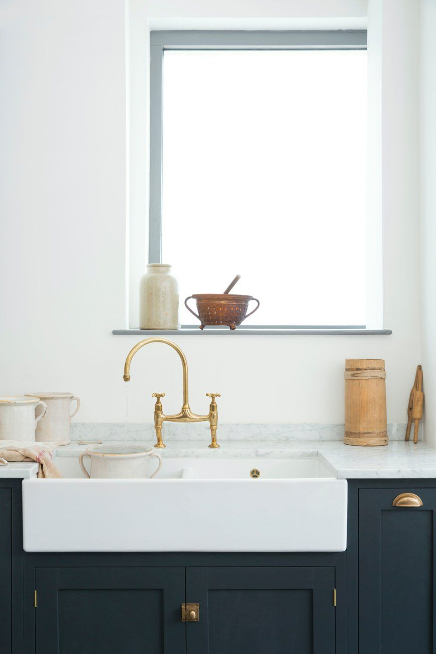Double butler sink looks stunning against dark units | Clerkenwell ...