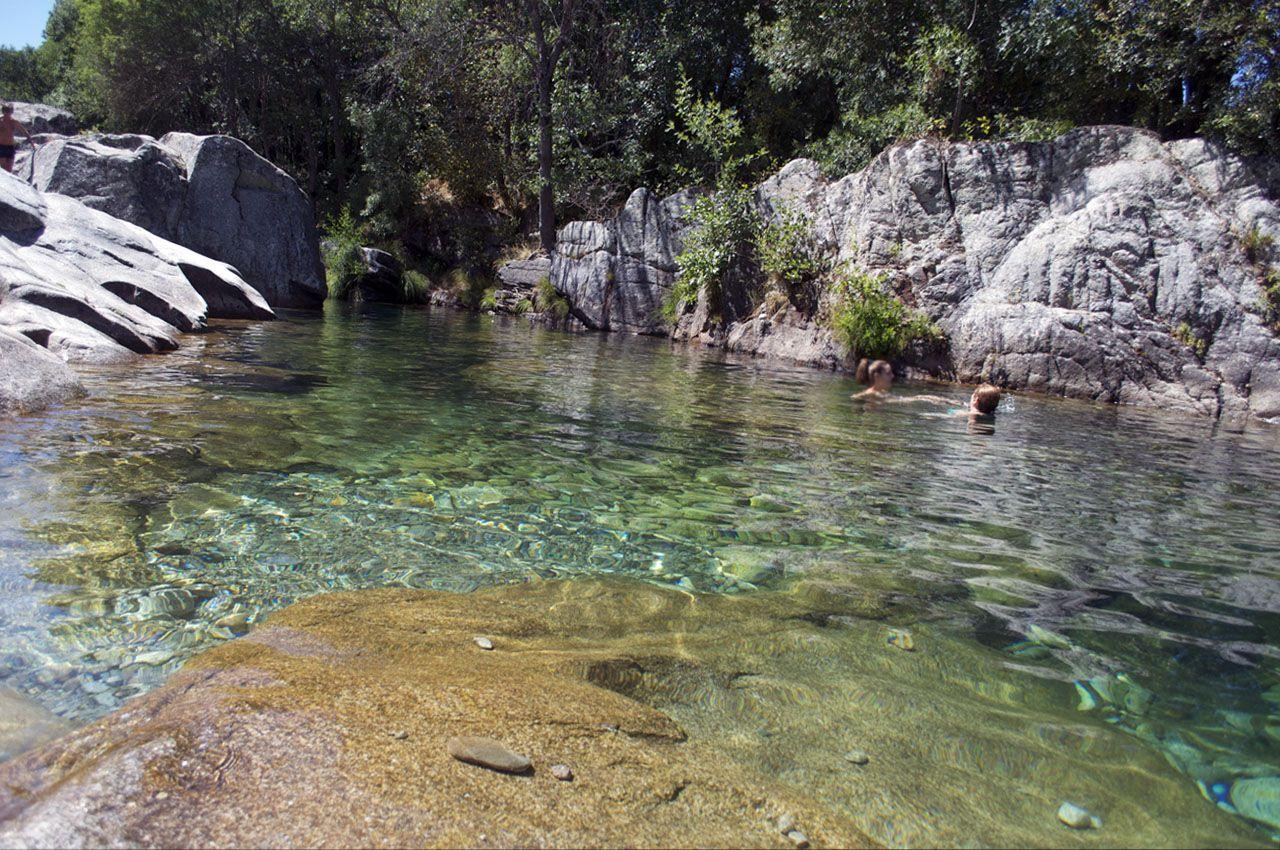 Qu maravilla de piscinas naturales tenemos en gredos for Piscinas naturales sierra de gredos