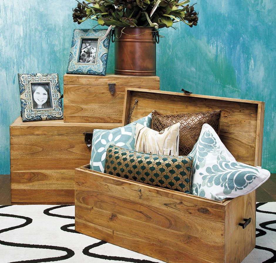 Using trunks for tiered displays Retail Vignettes Pinterest
