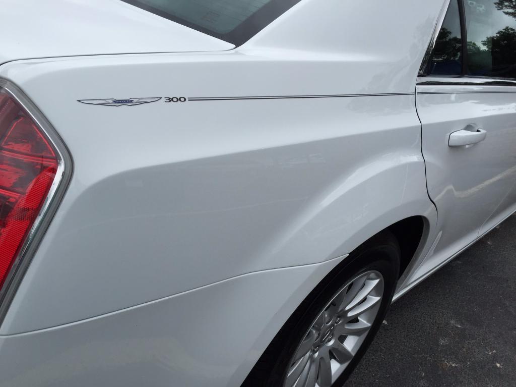 Chrysler 200 300 Decal Vinyl Pinstripe Emblem Stripe Logo
