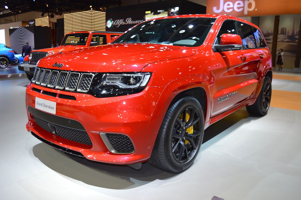 Jeep Grand Cherokee Trackhawk Showcased At The 2017 Dubai Motor Show With Images Jeep Grand Cherokee Jeep Grands