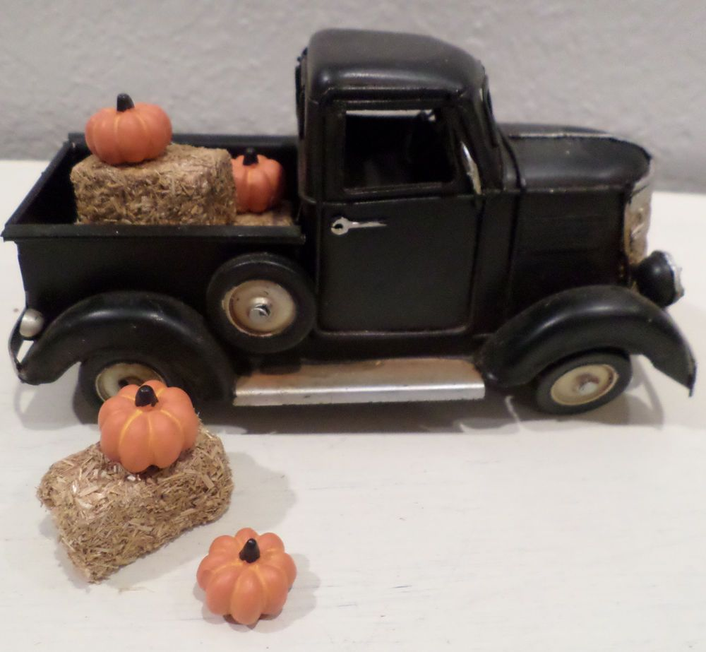 Black Metal Old Style Truck Fall Home Decor Hay Bales Pumpkins Thanksgiving Unbranded Vintage Signs Decor Diy Farmhouse Table Fall Home Decor