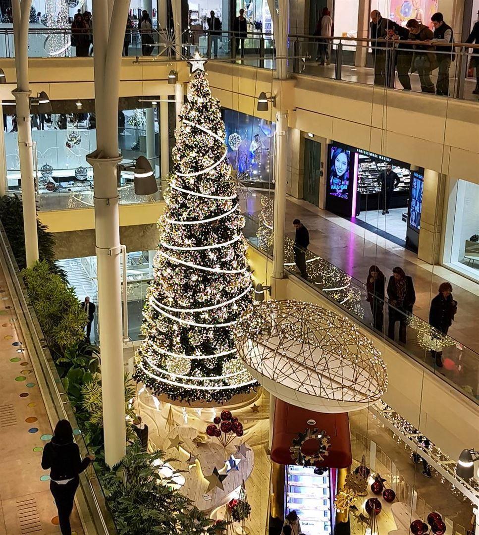 Christmastree Christmas Decor Abcachrafieh Whatsuplebanon Abc Achrafieh Lebanon In A Picture Holiday Festival Christmas Decorations Christmas Tree