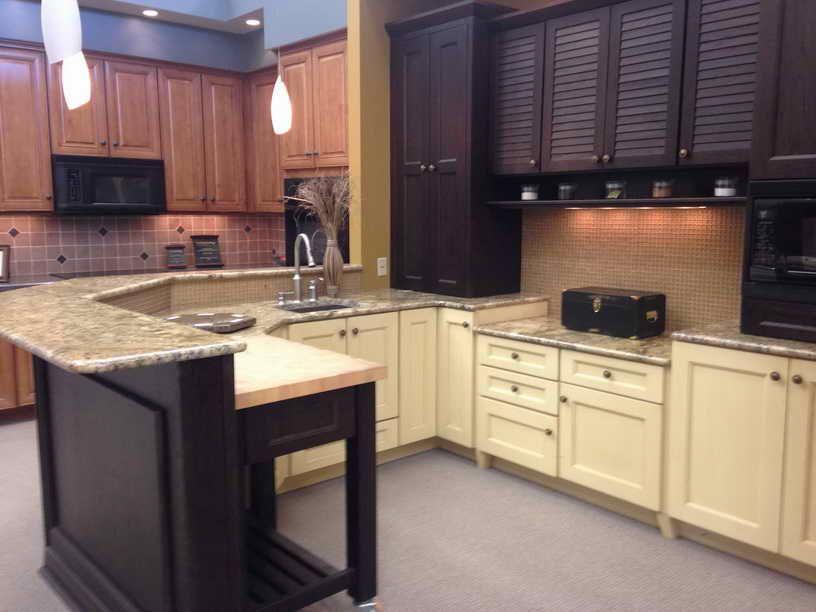 Kitchen Cabinets Showroom Displays For Sale