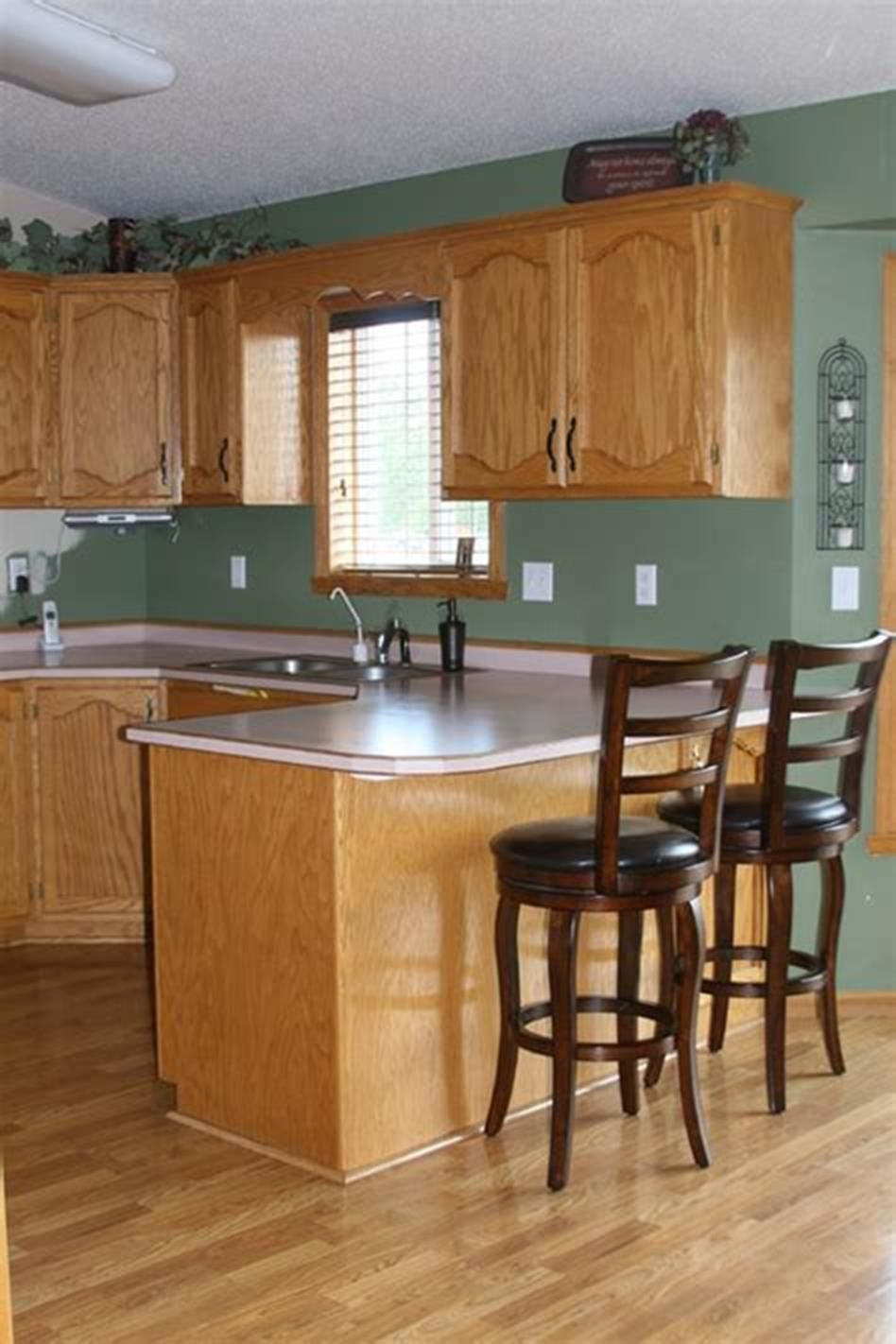 30 Affordable Kitchens With Oak Cabinets Ideas | Oak kitchen cabinets, Oak cabinets, Honey oak ...
