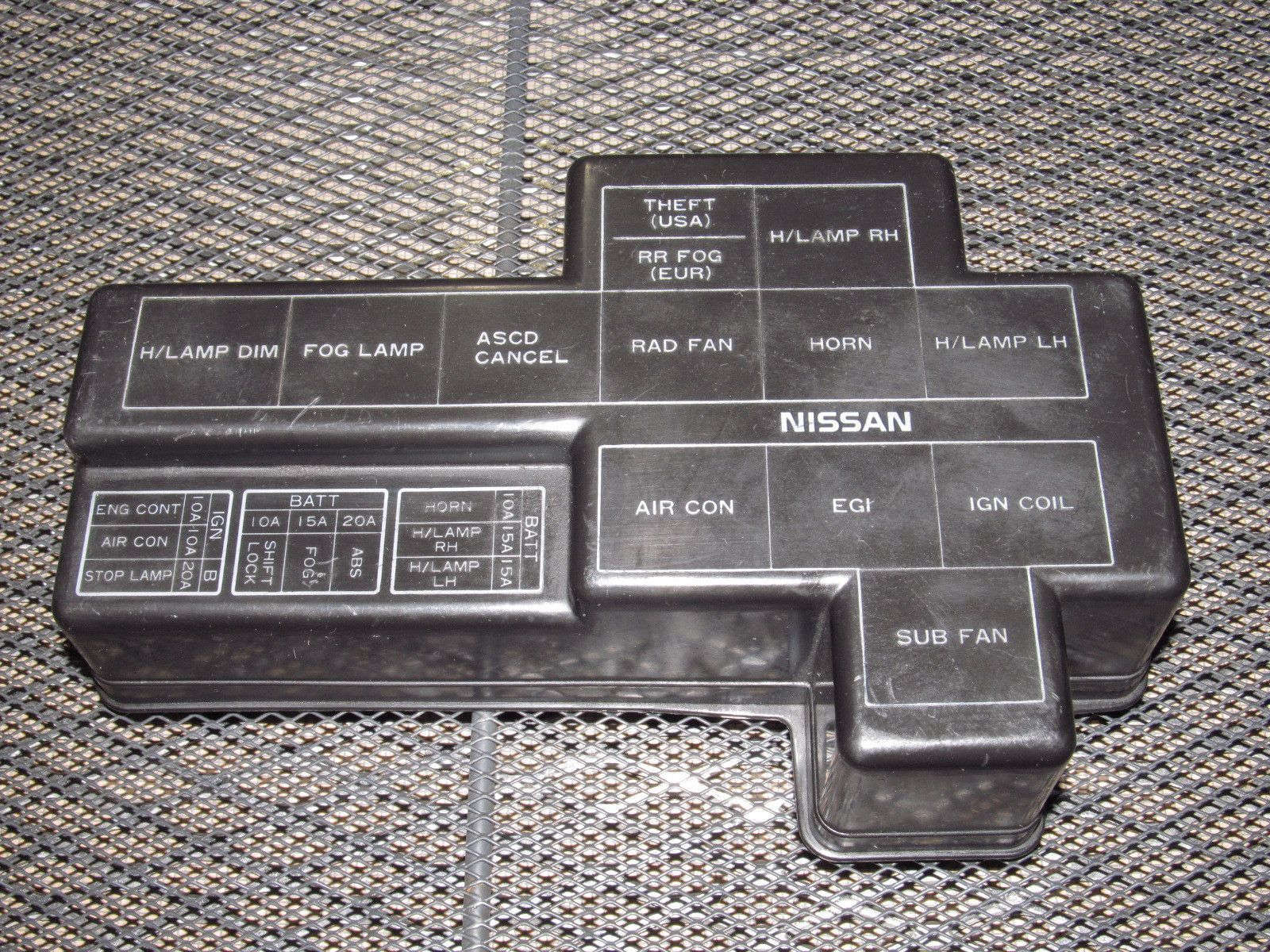 61e5bad3e8d38b9e36a270242c52ae3b 90 96 nissan 300zx oem engine fuse box cover nissan 300zx and ba fuse box at couponss.co