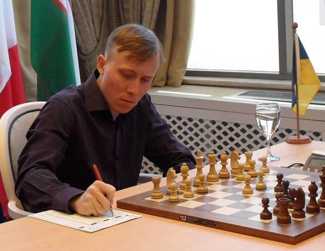 Ruslan Ponomarev: history and achievements of chess player