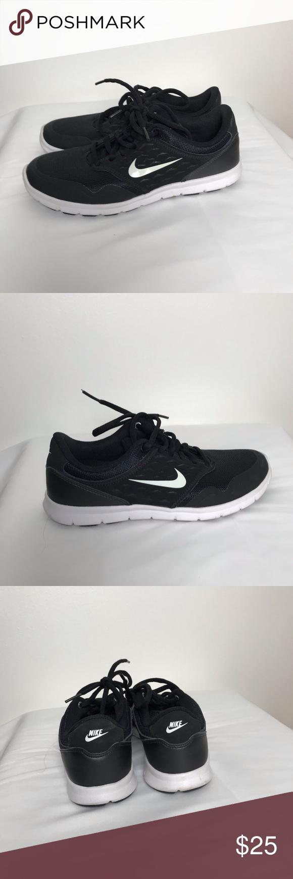 Nike black shoes Black Nike shoes with