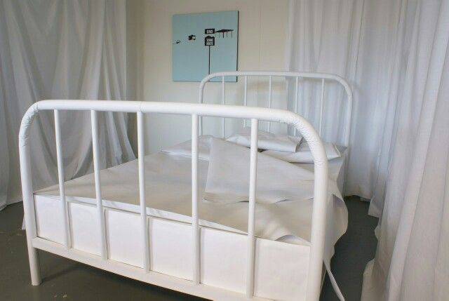 """Paper Bed (Life-size bed) - Crisis by """"Deadbroke74"""""""