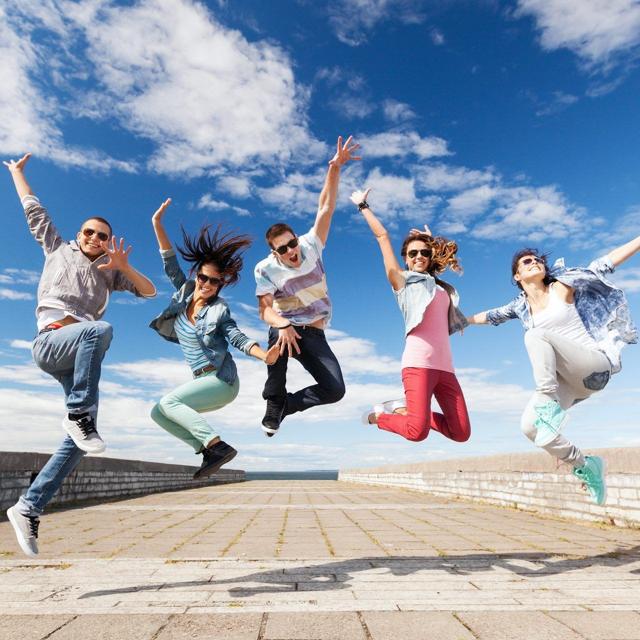 Social Media and the Pursuit of Happiness. Does Social