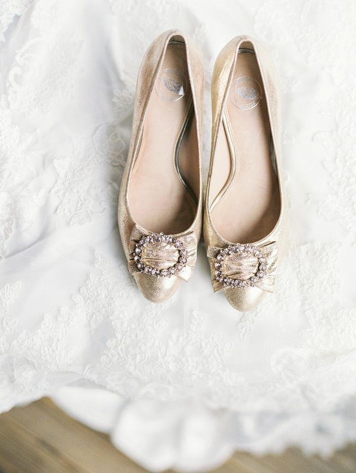 A gorgeous light gold wedding shoes for a classic winter wedding in January | fabmood.com #winterwedding #longsleevedweddingdress