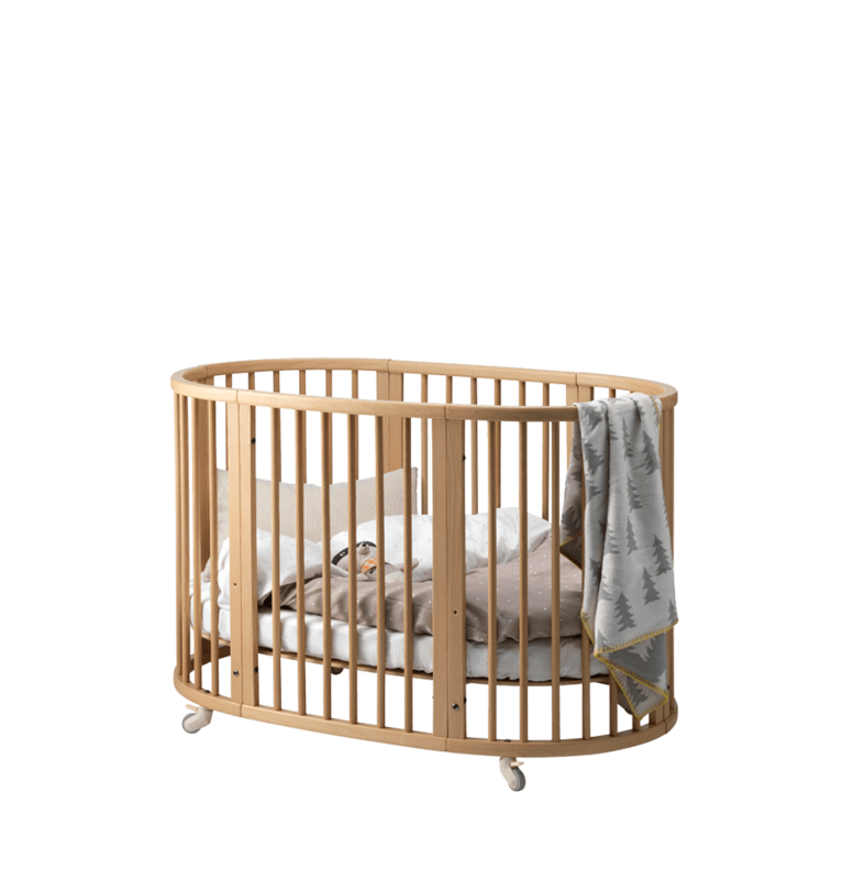 Oval Crib That Grows With Your Baby With Images Baby Furniture