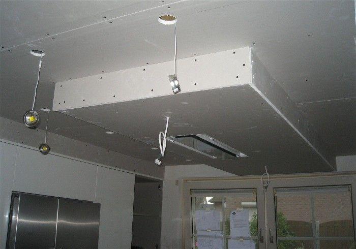 Afzuigkap In Plafond : In het verlaagd plafond wordt de afzuigkap gemonteerd samen met de