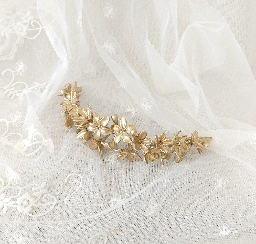 harto Melodrama historia  Tiara dorada de novia Tocado de flores doradas Tocado   Etsy   Gold bridal  tiaras, Bride headpiece, Floral tiara