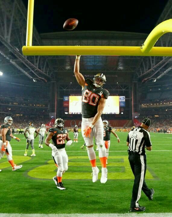 New Orleans Saints Jimmy Graham At The 2015 Pro Bowl Dunk Dat Nfl Saints New Orleans Saints Football