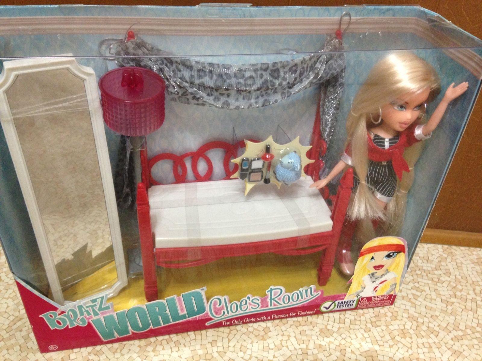 Bratz World Mansion Cloe 2-in-1 Sofa Bed Couch Lamp