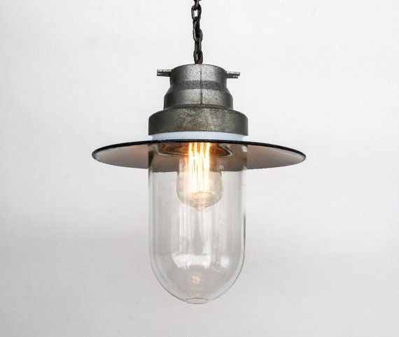 Vintage Industrial Ceiling Lamp / Light door TheCuriousCaseShop, €75.00