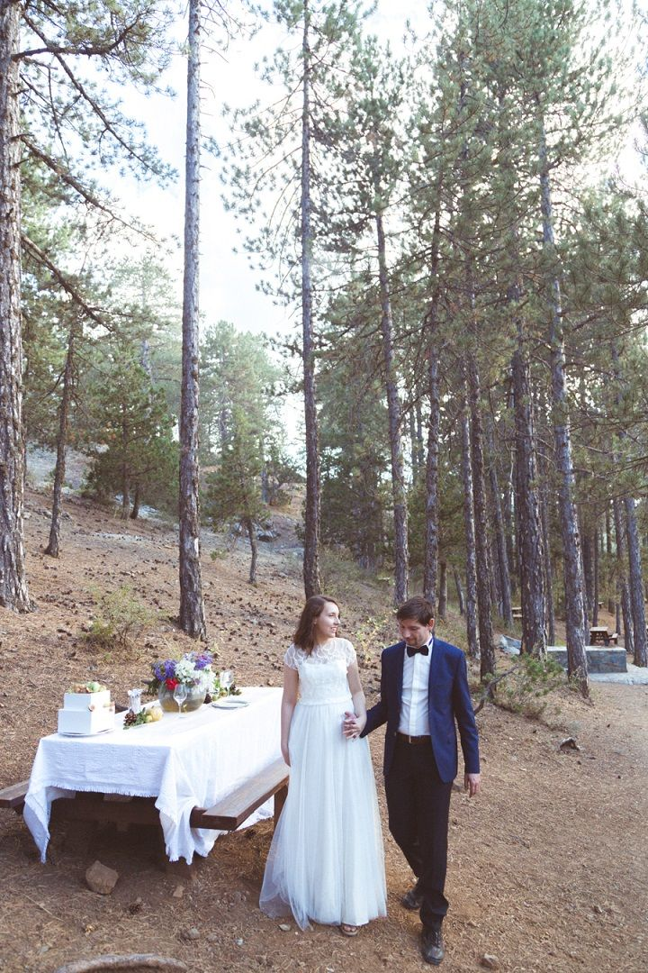 Picnic wedding reception in the mountains | fabmood.com #weddingvow #vowrenewal