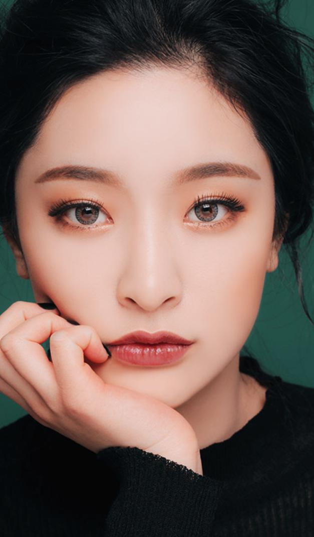 korean model Tumblr in 2019 Soft makeup looks, Korean