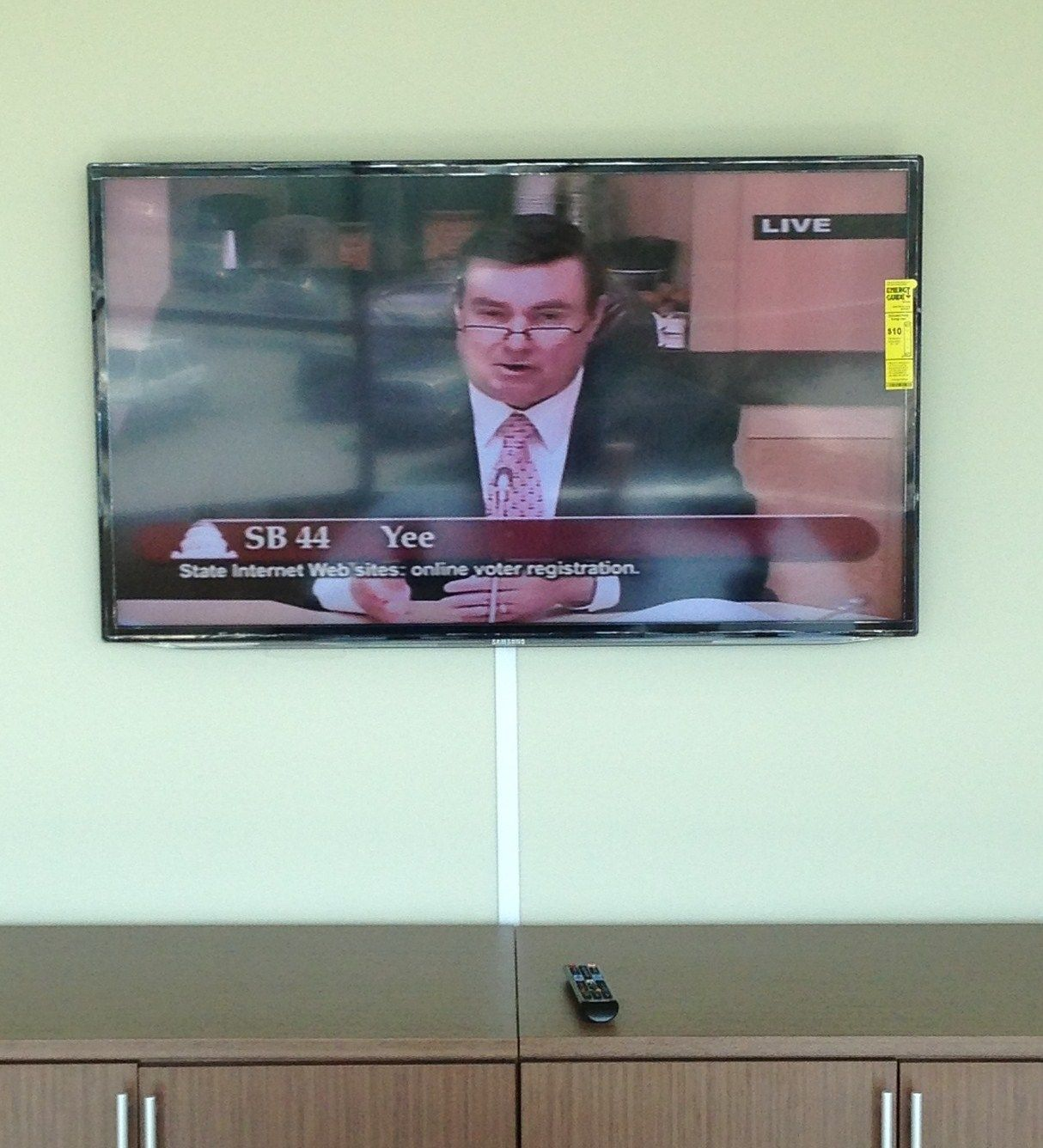 Tv Installation On The Wall With Wires Concealed In Wire Molding How To Hide Wiring For Mounted Install By Dean Irvine Ca