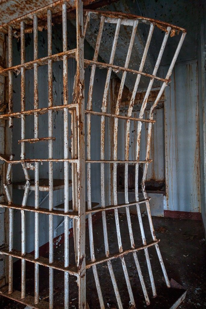 Broken Prison Bars In Penitentiary Cell Essex County Penitentiary Jail Bars Photoshop Wallpapers Penitentiary