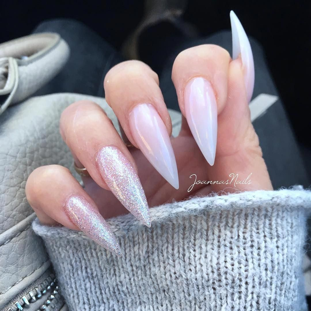 My Nails When They Were New 3 Weeks Ago Will Do New Ones On Sunday Stilettonails Stilleto Nails Designs Stilletto Nails Stiletto Nail Art