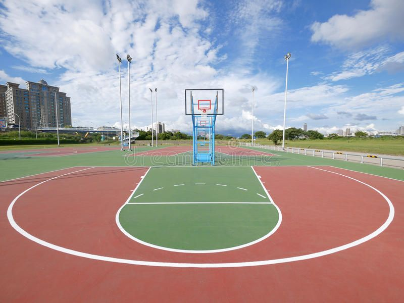 Outdoor Basketball Court In Park Sponsored Sponsored Affiliate Outdoor Court Park Basketball In 2020 Outdoor Basketball Court Basketball Court Court