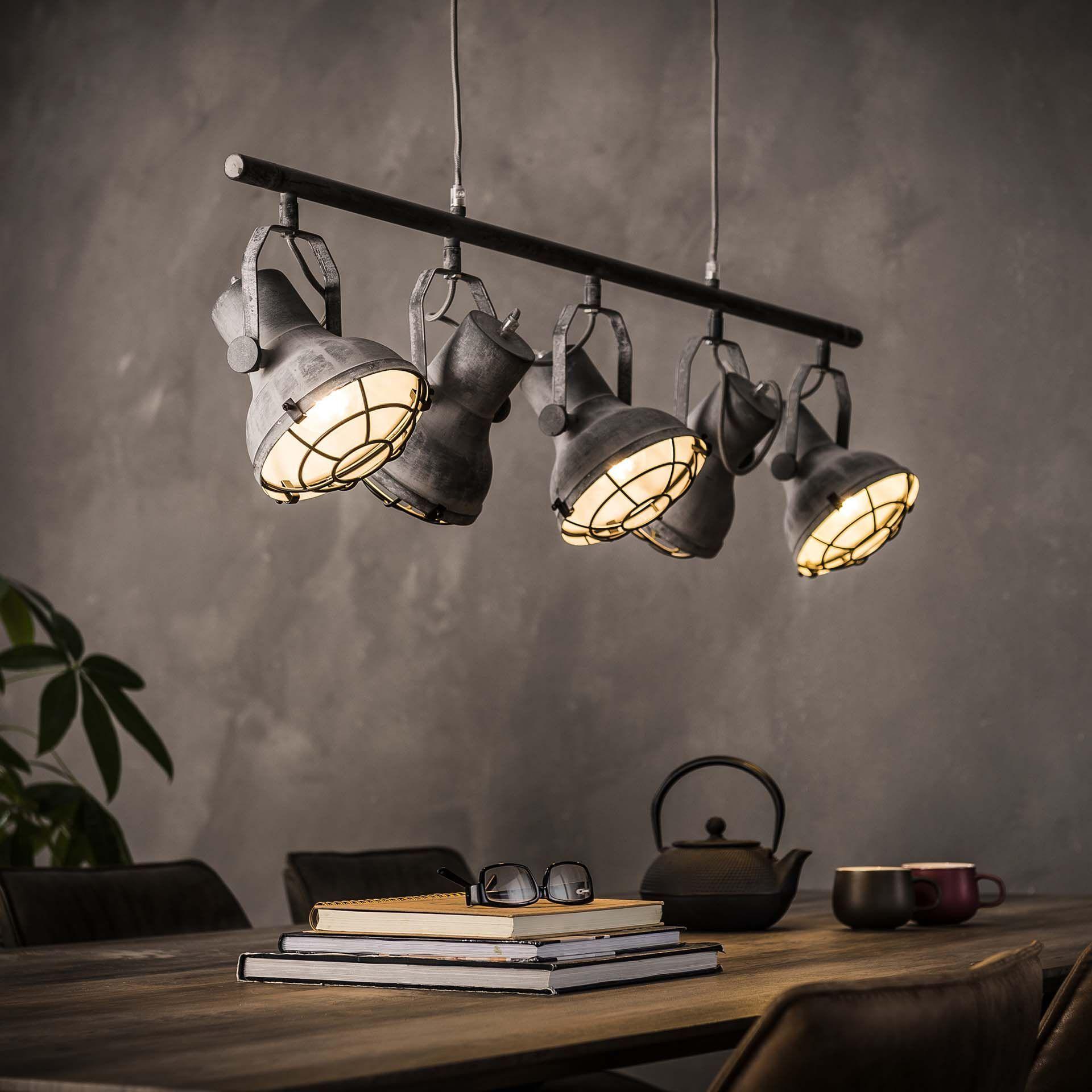 Makkelijke Make Over Geef Je Interieur Een Industriele Look In Maar 6 Stappen Verlichting Woonkamer Industriele Hanglampen Rustieke Lampen Binnenverlichting