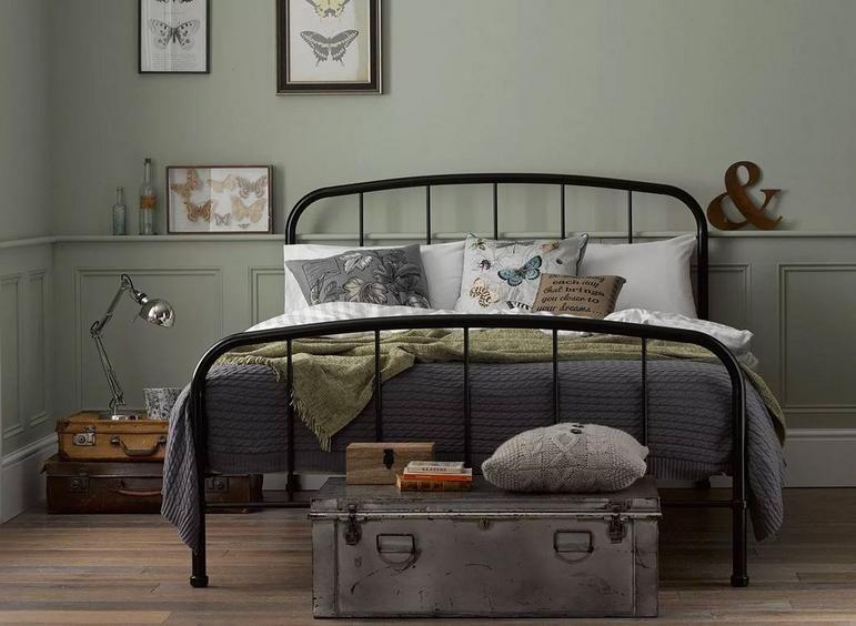 Best Westbrook Metal Bed Frame In 2020 Black Metal Bed Frame 400 x 300