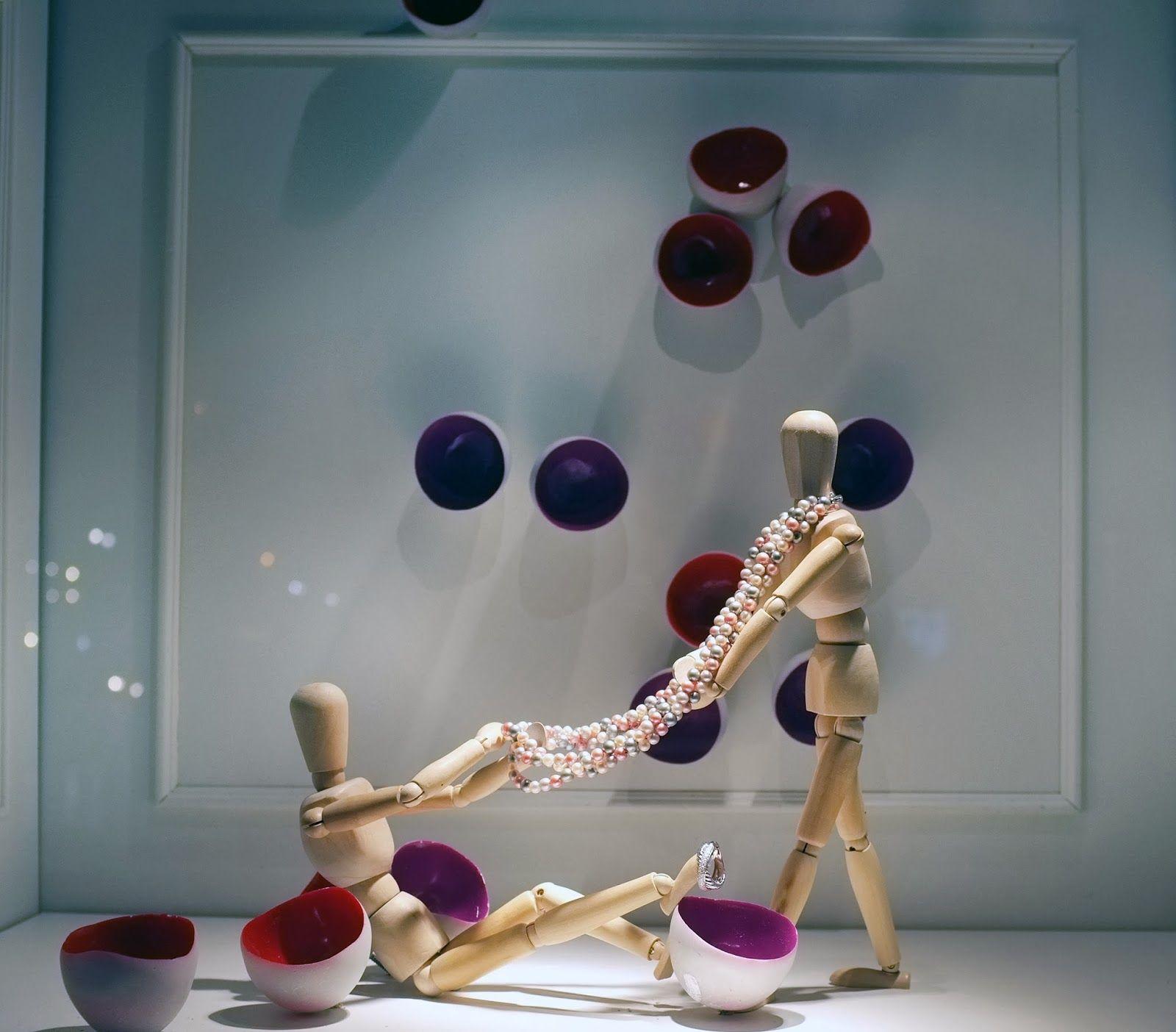 Window display ideas for jewellery  itus mine it backnow
