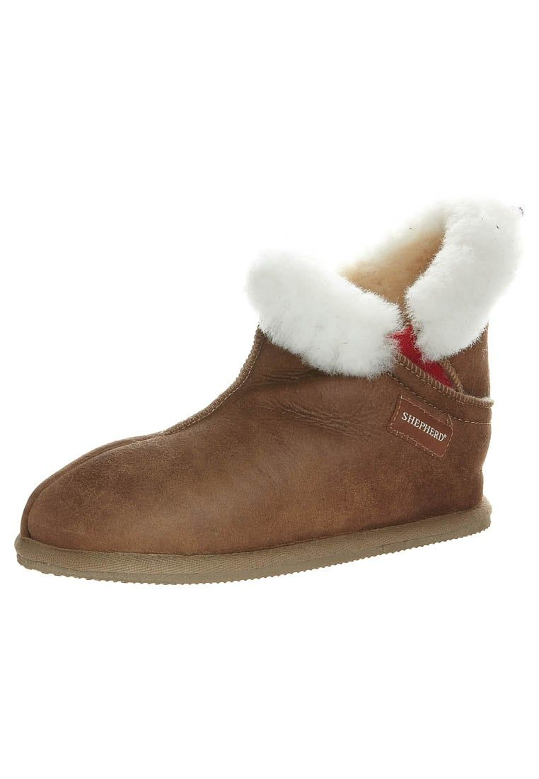 Consigue este tipo de zapatillas de casa de Shepherd ahora! Haz clic ...