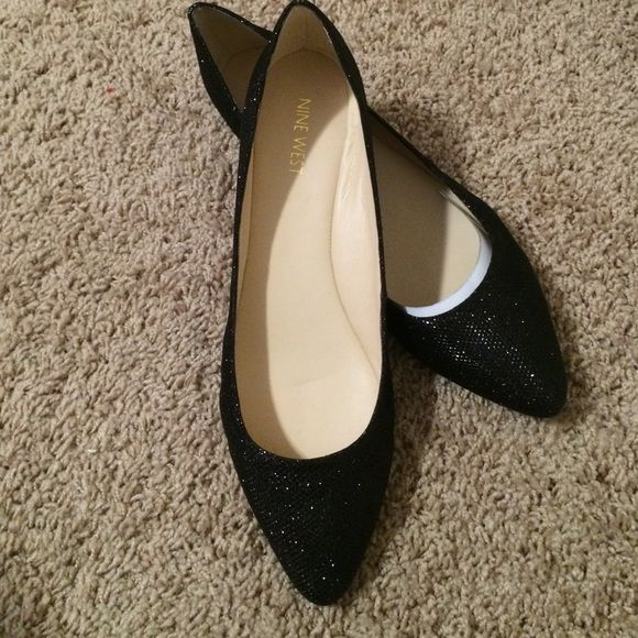 Nine West sparkle Speakup Pointed Toe Flats 10M Brand new in box, never worn! Speakup Pointed Toe Flats, black fabric with sparkles. Size 10M. Nine West Shoes Flats & Loafers