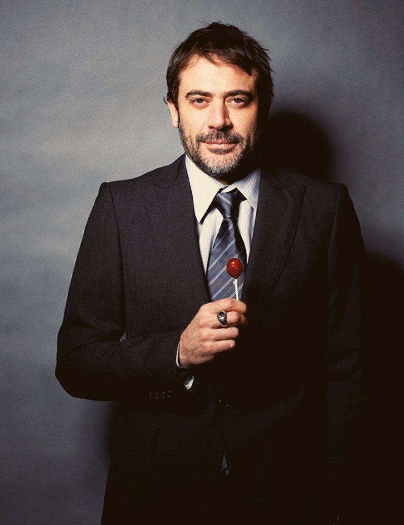 Google Image Result for http://beards.provocateuse.com/images/photos/jeffrey_dean_morgan_04.jpg