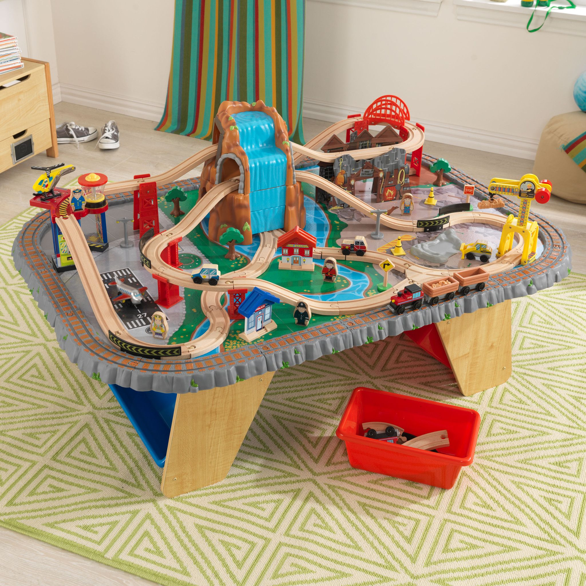 Train Set Table With Drawers Thomas Train Table Track Design Learninggirls Pinterest