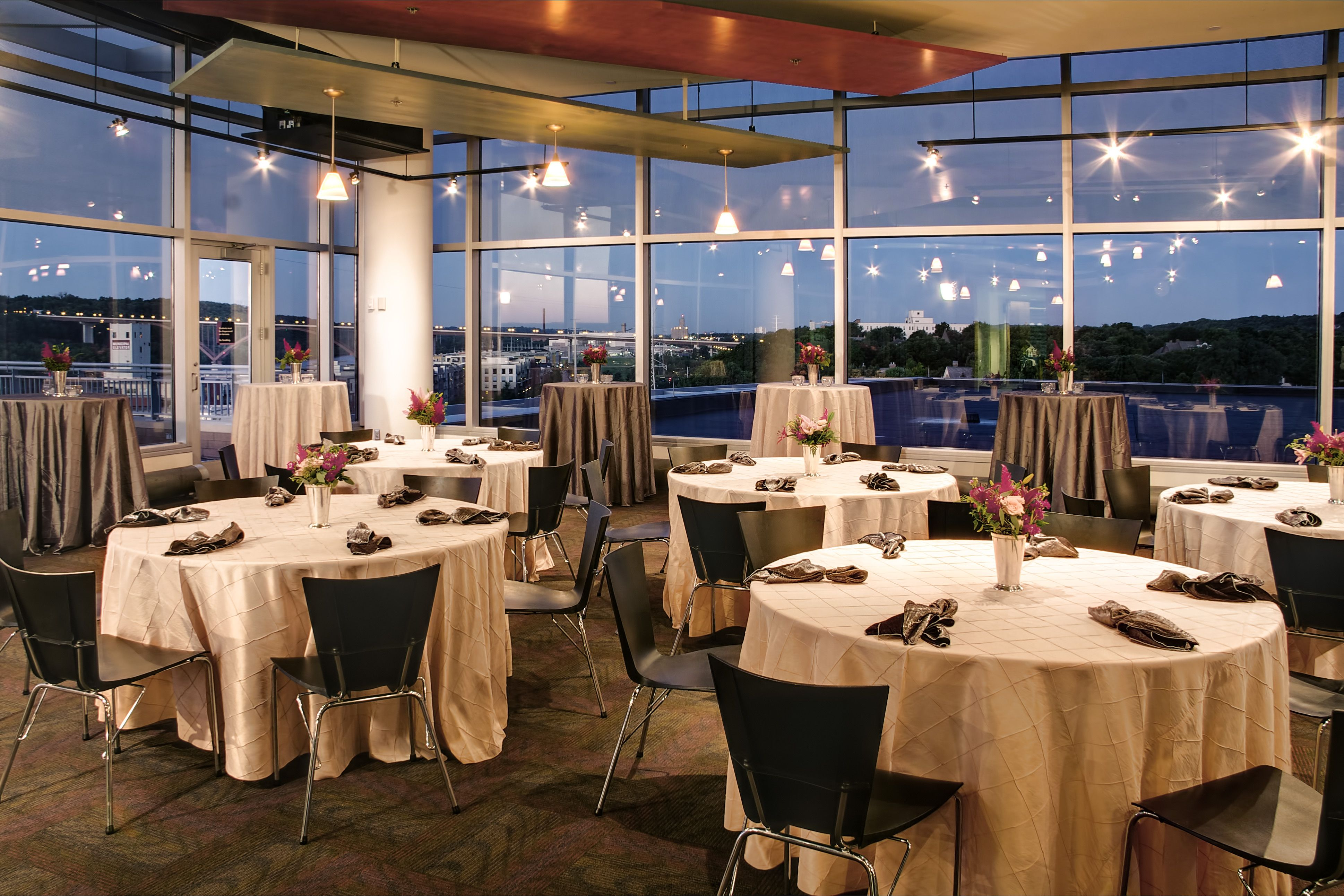 Plan Your Wedding Reception At The Science Museum Of Minnesota Minneapolis