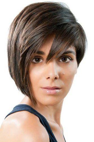 Стрижки на средние волосы круглое лицо фото | Густые ...