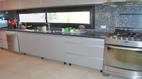 Ventanas esquineras buscar con google ventanas y for Ventanas de aluminio para cocina