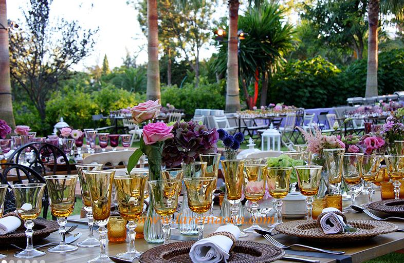 #decoracionbodasvintage #bodasvintage #bodasalairelibre #bodasverano #lareinaoca #decoracionbodas conflores www.lareinaoca.com