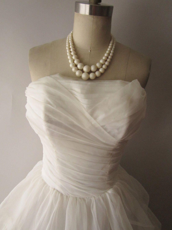 1950 wedding dress  us Wedding Dress  Vintage us Strapless Off White Chiffon