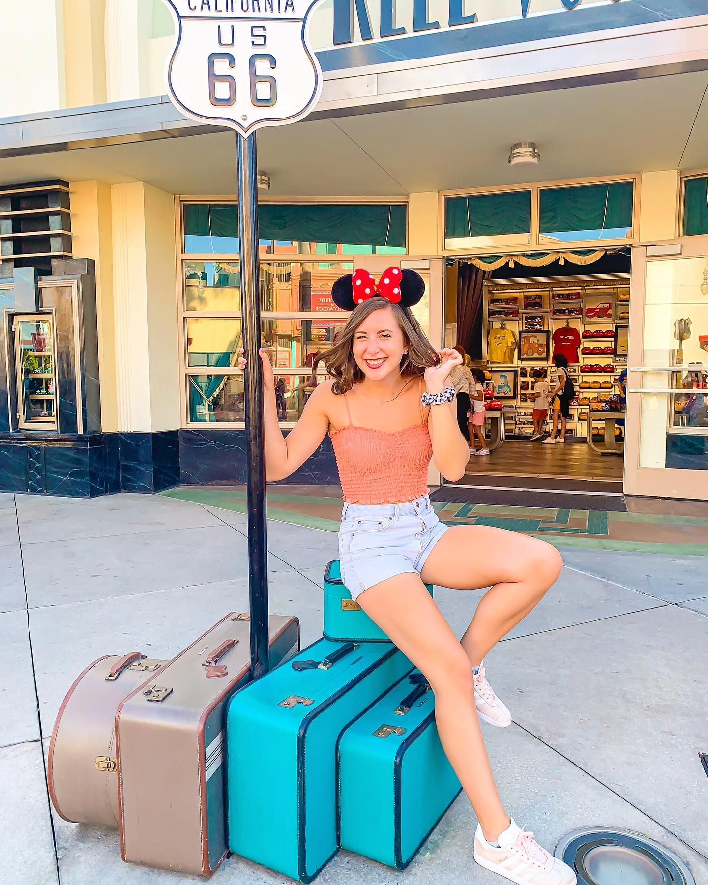 Is it time to pack my bags for my vacation (I MEAN JOB) in Disney World yet??…