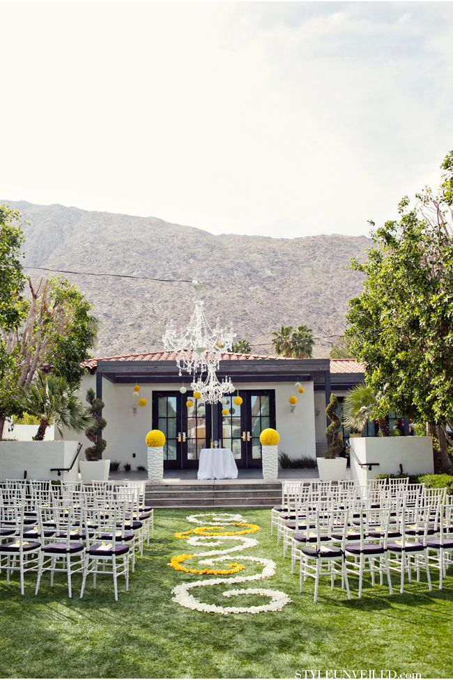 Planning a Wedding at the Viceroy in Palm Springs / Palm Springs Wedding / Heather Kincaid Photographer / via StyleUnveiled.com